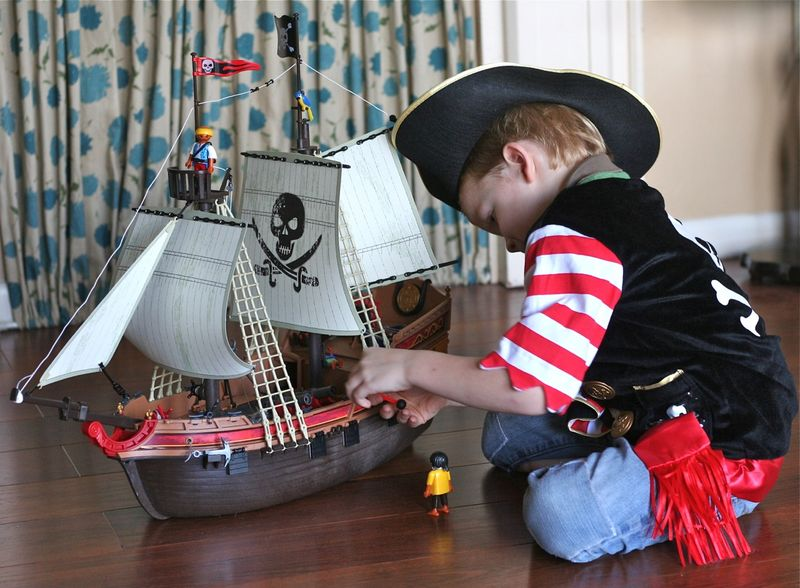 Cal with pirate ship
