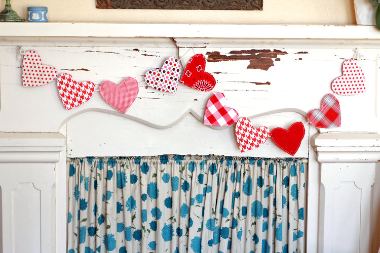 Hearts scrap fabric valentine garland bunting