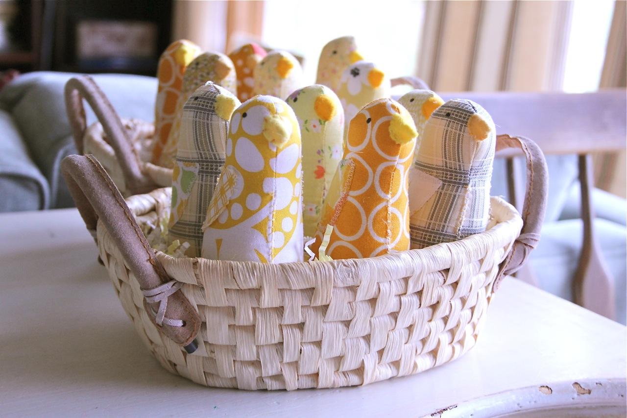 chicks-in-basket