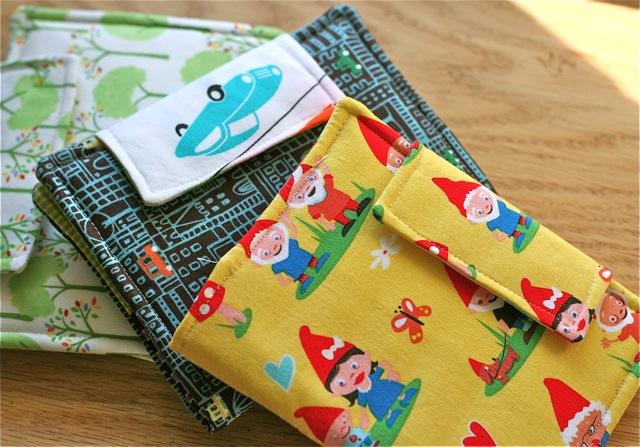 mini crayon art folio organizer sewing pattern