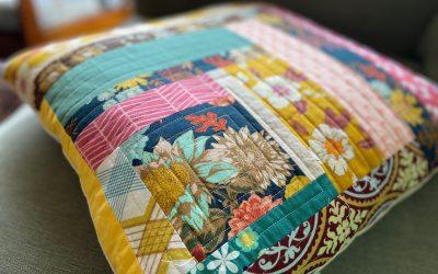 Fabric Scraps Log Cabin Block Pillow Tutorial