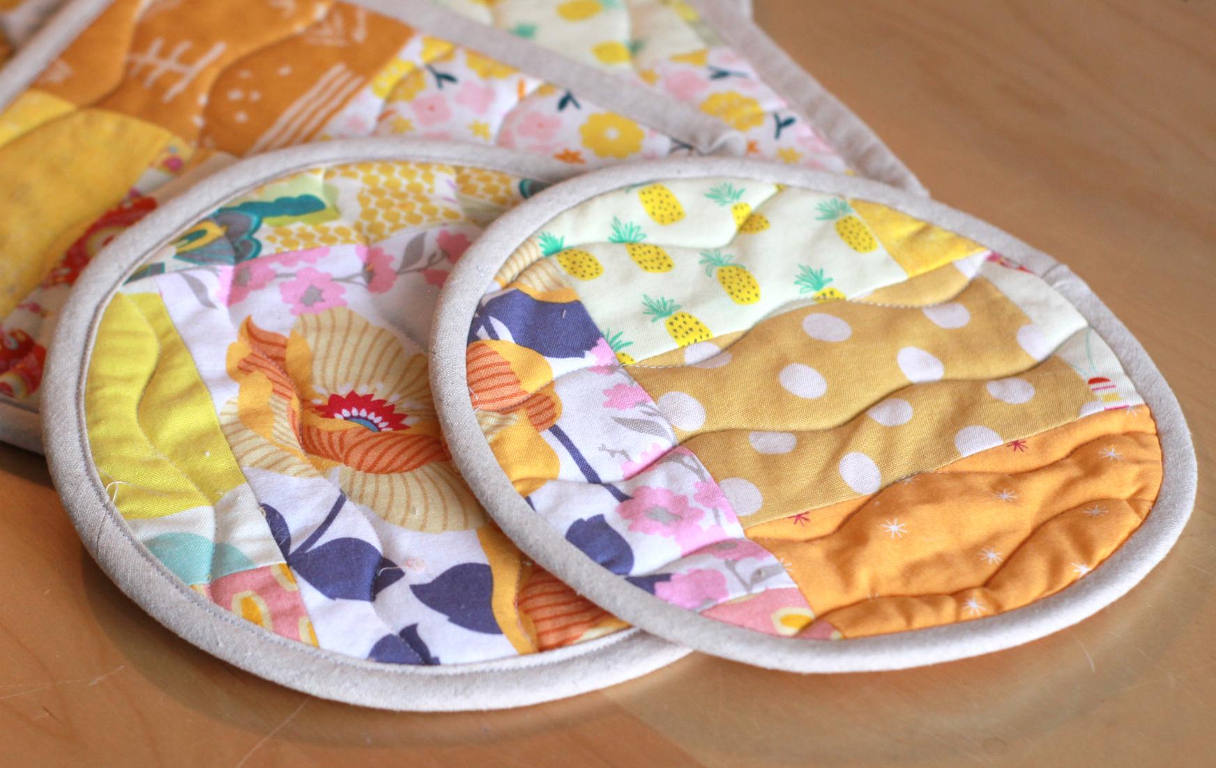 circle yellow hot pads